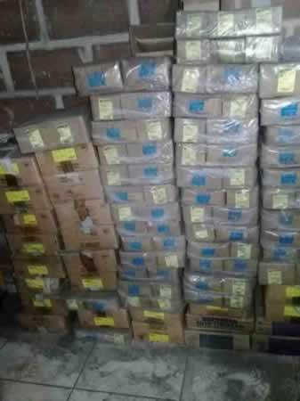 Itaúna - Quant.: 30 - Caixas de parafusos de aço M8 - 1,25 x 55  Contendo cada caixa 100 p