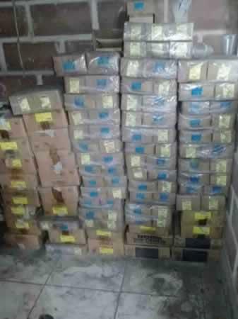 Itaúna - Quant.: 15 - Caixas de parafusos de aço 1/2 - 13  Contendo cada caixa 100 parafus