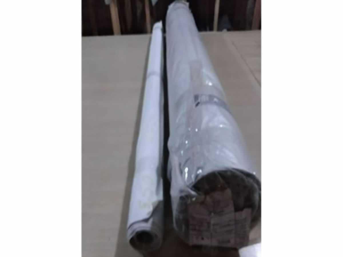 Ubá - Rolo de tecido  Cinza, 57 metros.  ==> IMPORTANTE: O primeiro leilão será dia 22/05/