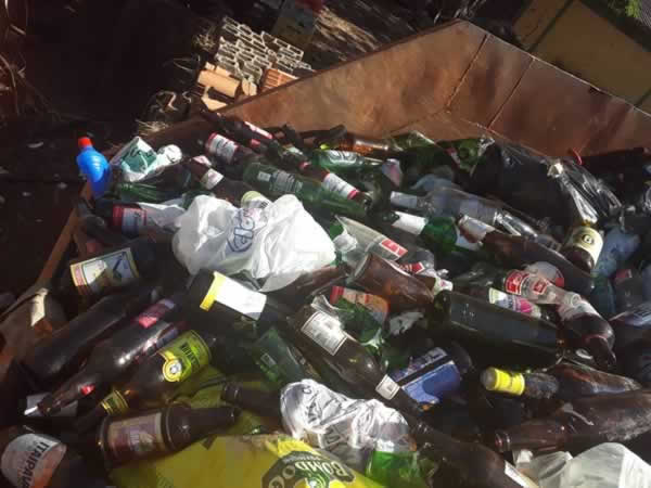 ITEM Nº: 05; Material reciclável; vidros diversos, aproximadamente 5.000 kg     Conforme
