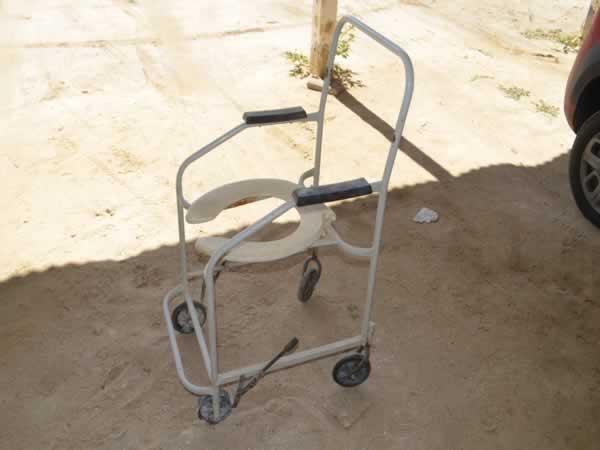 ITEM Nº: 07; Sucatas Diversas; cadeiras de rodas, armários     Conforme edital.  Pátio da
